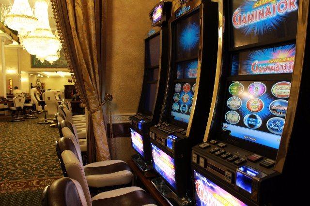 В Вулкан Платинум казино играть на деньги